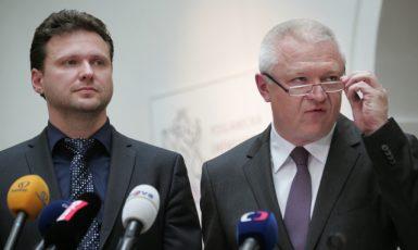 Předseda Poslanecké sněmovny Radek Vondráček a předseda Poslaneckého klubu ANO Jaroslav Faltýnek  (ČTK)