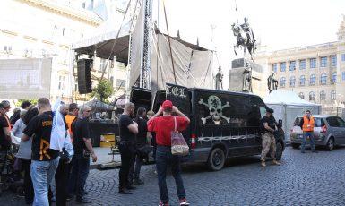 Nacionalisté na Václavském náměstí. Ortel, Okamura, Le Penová (Pavel Hofman)
