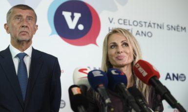 Premiér  Andrej Babiš a Dita Charanzová, europoslankyně za ANO (ČTK)