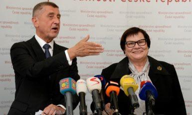 Předseda vlády Andrej Babiš a jeho ministryně spravedlnosti Marie Benešová  (ČTK)