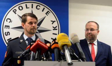 Ředitel Krajského ředitelství policie hl. m. Prahy Jan Ptáček a šéf Městského státního zastupitelství v Praze Martin Erazím  (ČTK)
