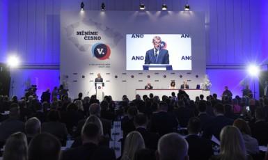 Premiér a předseda hnutí ANO Andrej Babiš na celostátním sněmu ANO 17. února 2019 v Praze (ČTK)