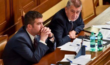 Předseda ČSSD a místopředseda vlády Jan Hamáček a premiér Andrej Babiš  (ČTK)