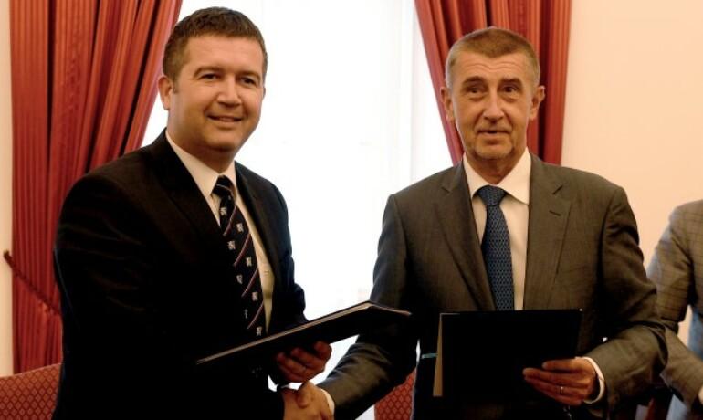 Předseda ČSSD Jan Hamáček a předseda hnutí ANO a premiér Andrej Babiš  (ČTK)