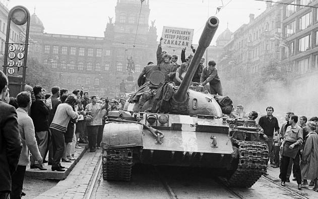 Srpnové události 1968 v pražských ulicích - Václavské náměstí (ČTK)