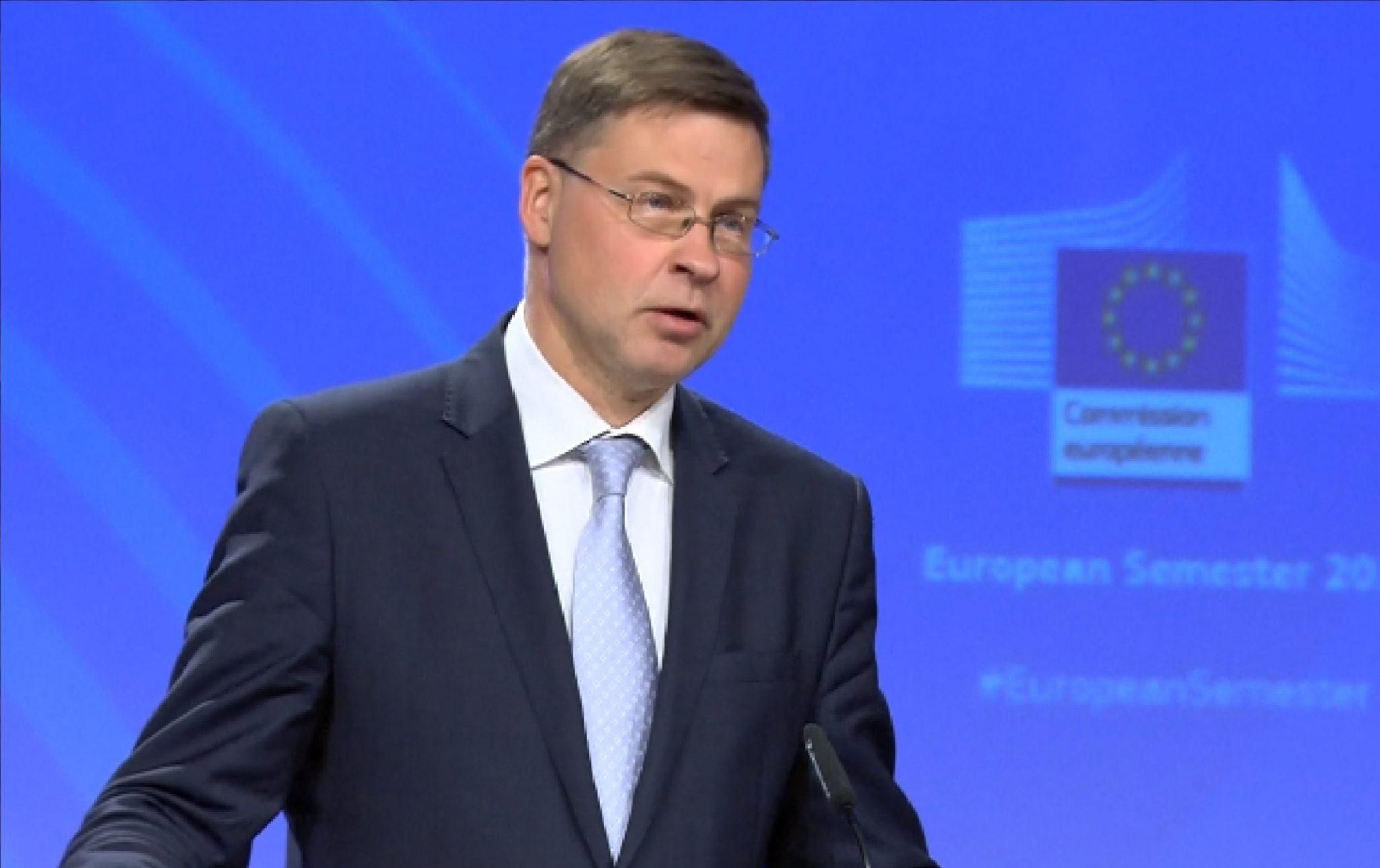 Místopředseda Evropské komise Valdis Dombrovskis. (ČT)