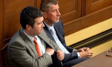 Vicepremiér Jan Hamáček (ČSSD) a premiér Andrej Babiš (ANO) v Poslanecké sněmovně  (ČTK)