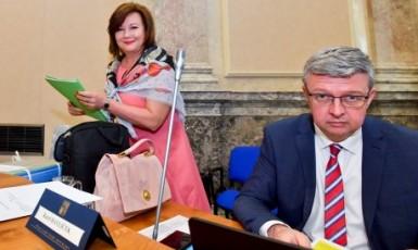Ministryně financí Alena Schillerová a ministr průmyslu a obchodu Karel Havlíček (oba ANO) (ČTK)