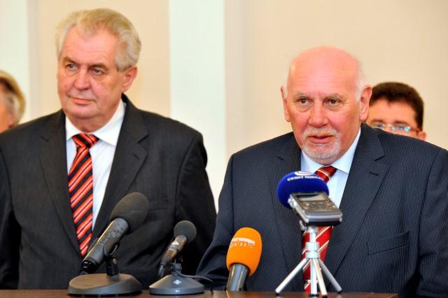 Prezident Miloš Zeman a předseda Ústavního soudu Pavel Rychetský (ČTK)