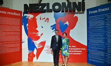 Andrej Babiš na výstavě Nezlomní (fb)