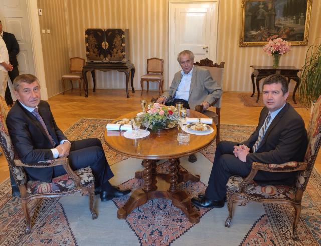 """Hlavní představitelé současných """"Nových pořádků"""" – Andrej Babiš, Miloš Zeman a Jan Hamáček (ČTK)"""