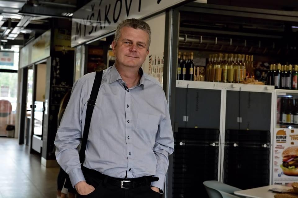 Studentský vůdce listopadové revoluce v roce 1989 v Hradci Králové a později dlouholetý regionální politik Jindřich Vedlich  (FB)