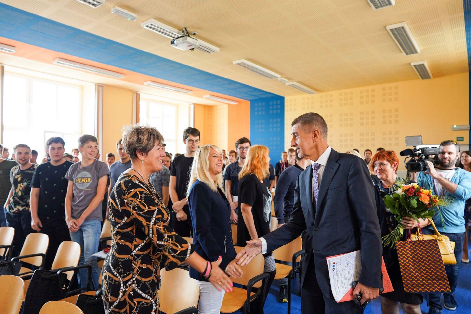 Andrej Babiš ve škole v Plzni (FB AB)