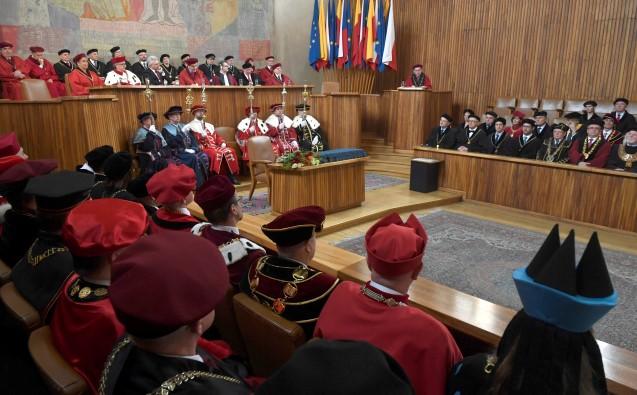 Slavnostní zasedání při příležitosti 670. výročí založení Univerzity Karlovy, ilustrační snímek (ČTK)