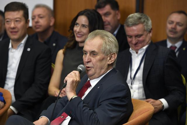 Prezident Miloš Zeman v okruhu nejbližších po prezidentské volbě v roce 2018 (ČTK)