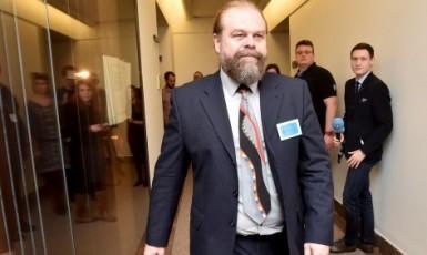 Státní zástupce Jaroslav Šaroch v Poslanecké sněmovně  (ČTK)