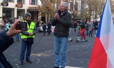 Nezdolný Miroslav Sládek opět v akci (F24)