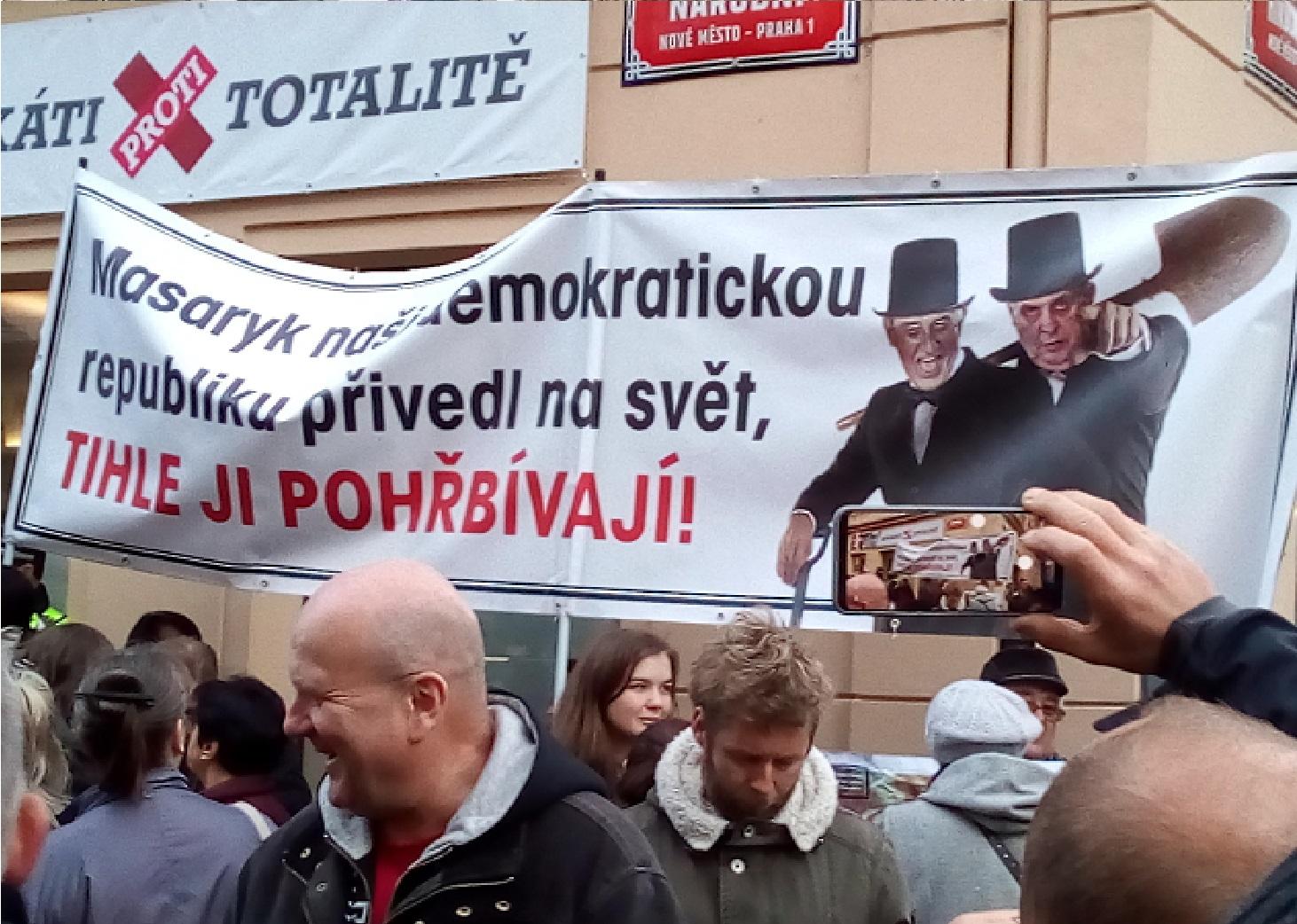 Hrobníci české demokracie. (Jan Jandourek, se svolením autora.)