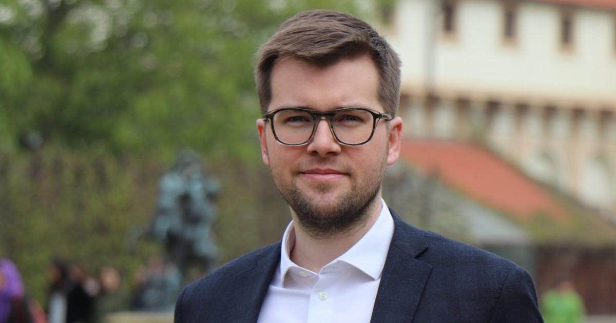 Piráti vylepšují českou politiku: na paškále je TOP 09 a Kalousek