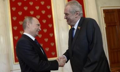 Prezident Ruské federace Vladimir Putin a prezident ČR Miloš Zeman (ČTK)