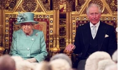 (Buckingham Palace)