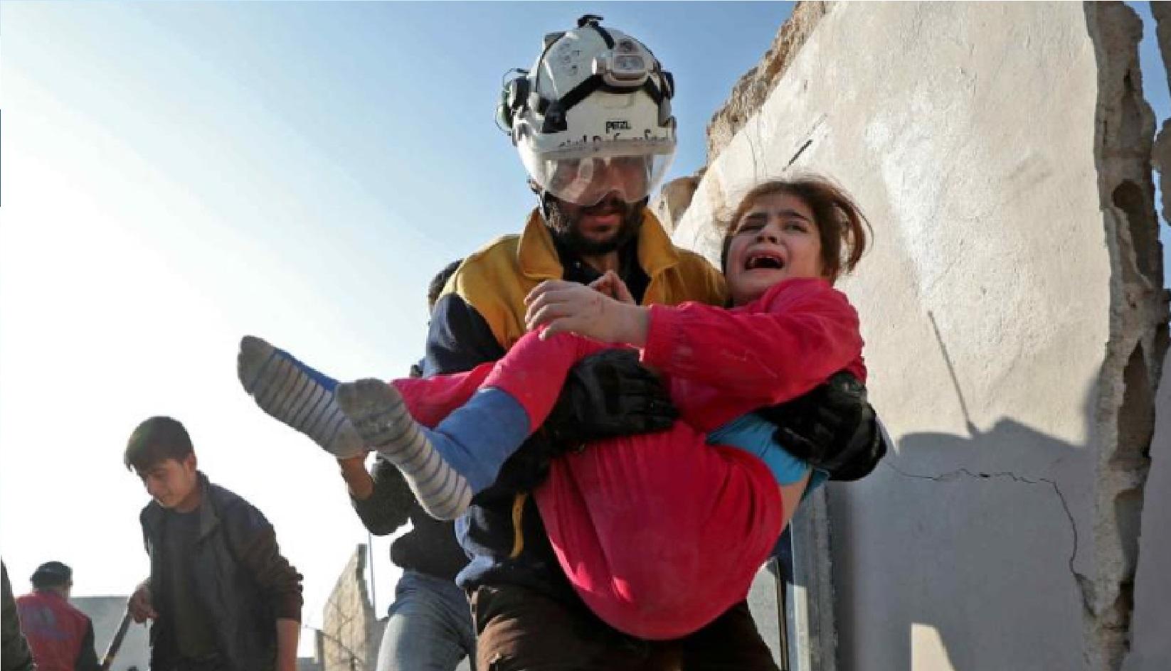 Následky leteckých útoků v Idlíbu (Twitter)