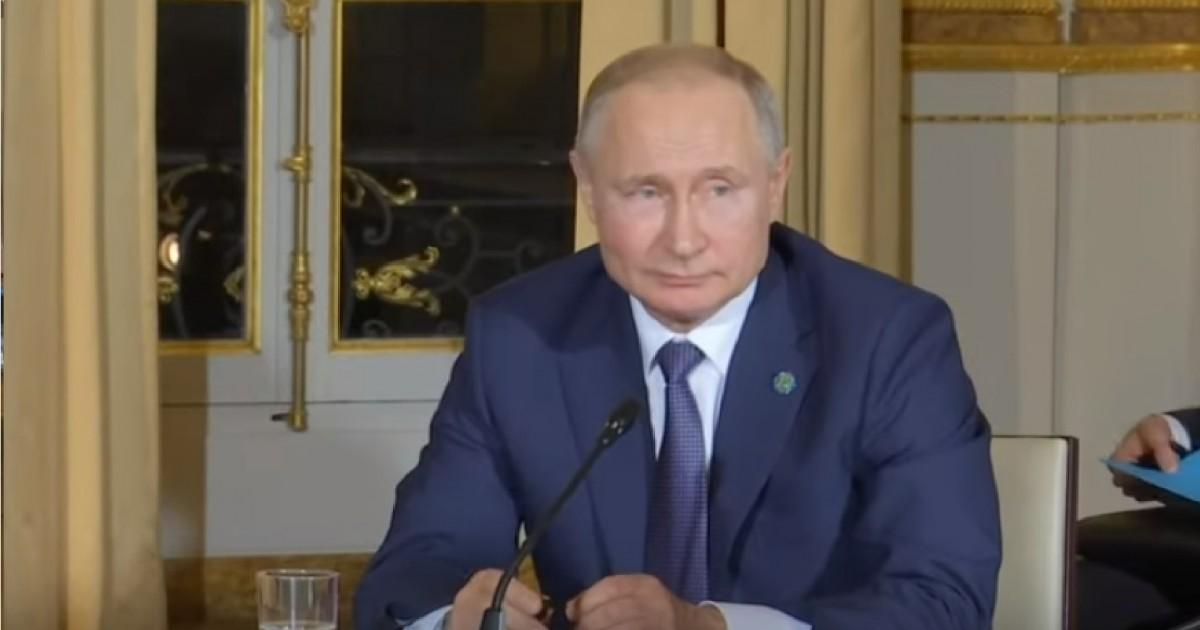 Putin domů nepřivezl nic ztoho, kčemu hodlal Ukrajince v Paříži přimět