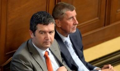 První místopředseda vlády a ministr vnitra Jan Hamáček (ČSSD) a premiér Andrej Babiš (ANO)  (ČTK)