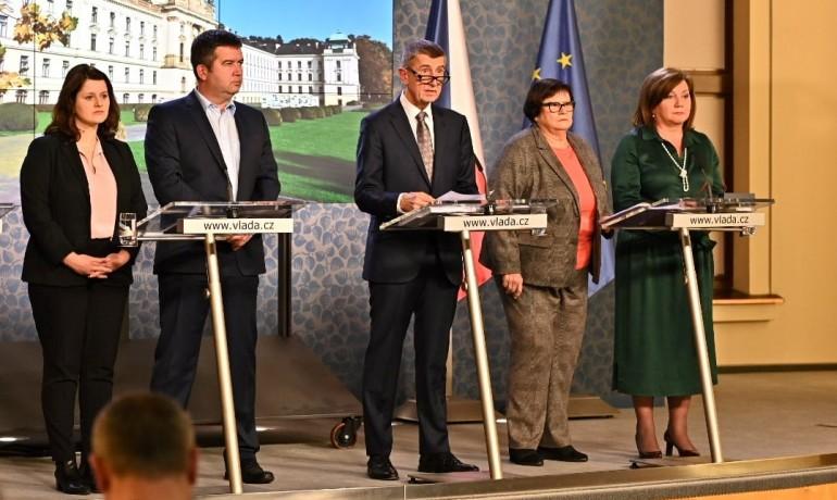 Vláda na tiskové konferenci – ilustrační foto (ČTK)