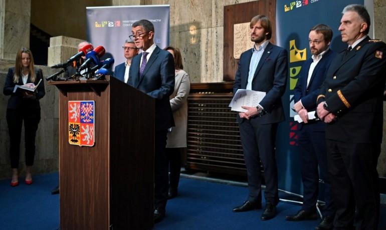 Tisková konference premiéra Andreje Babiše a ministra zdravotnictví Adama Vojtěcha (oba ANO) (FB AB)