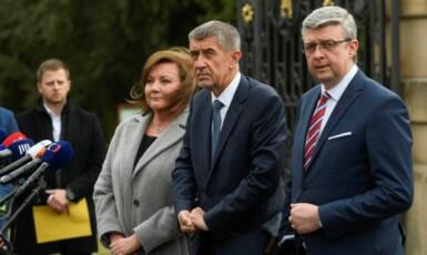 Alena Schillerová, Andrej Babiš a Karel Havlíček (všichni za ANO)  (ČTK)