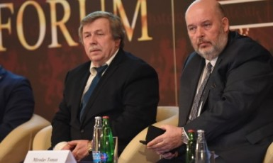 Prezident Agrární komory Zdeněk Jandejsek a ministr zemědělství Miroslav Toman na Žofínském fóru v březnu 2019 (ČTK)