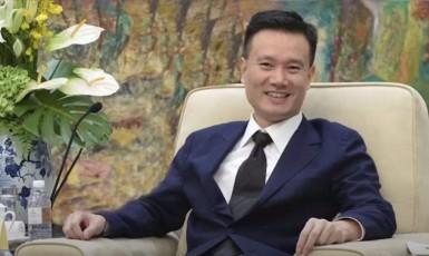 Zemanův poradce Jie Ťien-ming v dobách své největší slávy. (youtube/South China Morning Post)