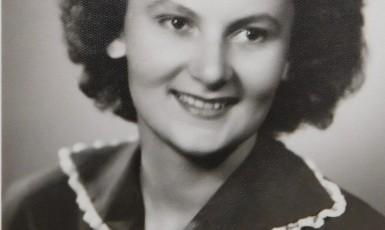 Paní Bartoňová jako studentka (Paměť národa)