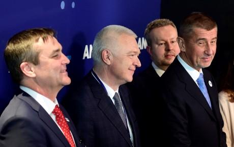 Místopředsedové ANO Petr Vokřál, Jaroslav Faltýnek, Richard Brabec a předseda Andrej Babiš na sněmu hnutí ANO  (ČTK)