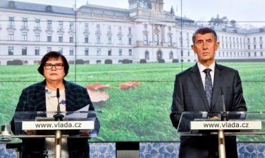 Ministryně spravedlnosti Marie Benešová a premiér Andrej Babiš (oba ANO)  (ČTK)