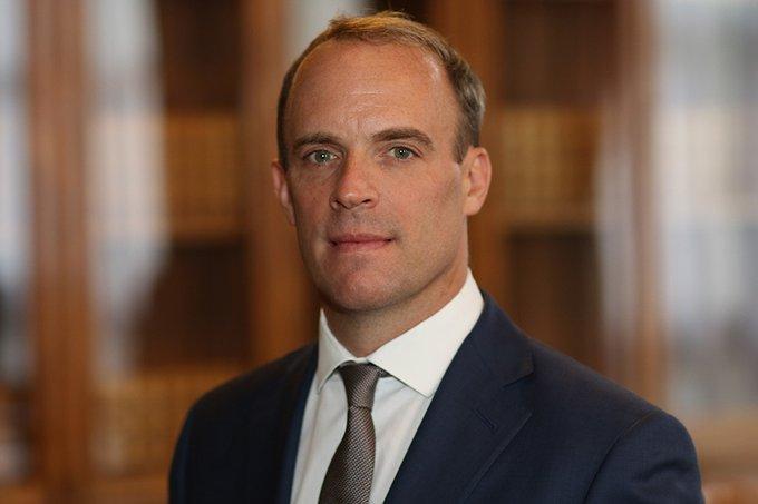 Britský ministr zahraničí Dominic Raab působil dříve v oblasti ochrany lidských práv a je v kontaktu s vdovou po Sergeji Magnitském.  (Gov UK)
