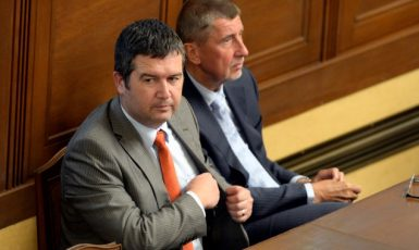 Místopředseda vlády a ministr vnitra Jan Hamáček a premiér Andrej Babiš  (ČTK)