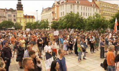 Pondělní demonstrace na Masarykově náměstí v Ostravě (FB)