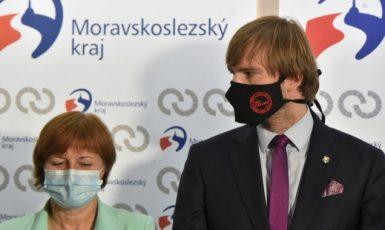 Hlavní hygienička ČR Jarmila Rážová a ministr zdravotnictví Adam Vojtěch (ANO)  (ČTK)