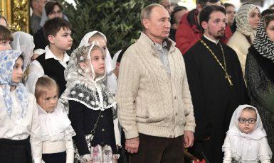 Jak může někdo něco mít proti všem těm hodným Rusům? (Kremlin.ru)