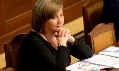 Ministryně financi Alena Schillerová (za ANO) na schůzi poslanecké sněmovny  (ČTK)