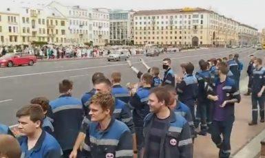 Stávkující zaměstnanci metra v Minsku  (Twitter)