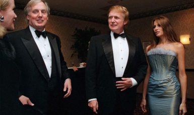 Robert Trump (vlevo) s bratrem Donaldem na snímku z roku 1999  (ČTK/AP/Diane Bondaress)