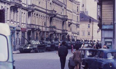 Zdrojem legitimity bolševického režimu u nás byly od srpna 1968 ruské tanky. (Pinterest)