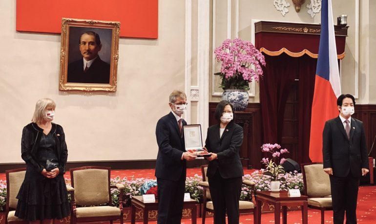 Předseda senátu Miloš Vystrčil a tchajwanská prezidentka Cchaj Jing-wen (Twitter Senátu Parlamentu ČR)