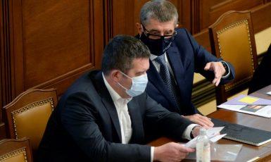 Ministr vnitra Jan Hamáček (ČSSD) a premiér Andrej Babiš (ANO). Ilustrační foto. (ČTK)