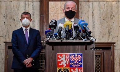Premiér Andrej Babiš a ministr zdravotnictví Roman Prymula (ČTK)