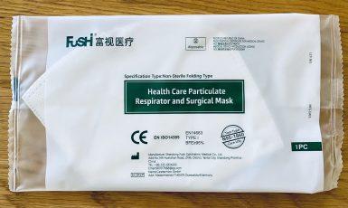 Čínský respirátor z vládní dodávky seniorům  (FB Martin Žufánek)