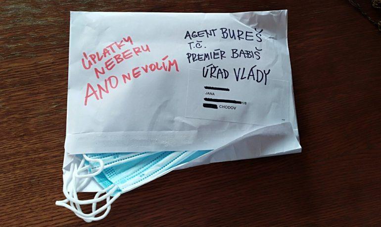 Roušky ze schránek míří zpět k Andreji Babišovi... (Jenny Nowak)
